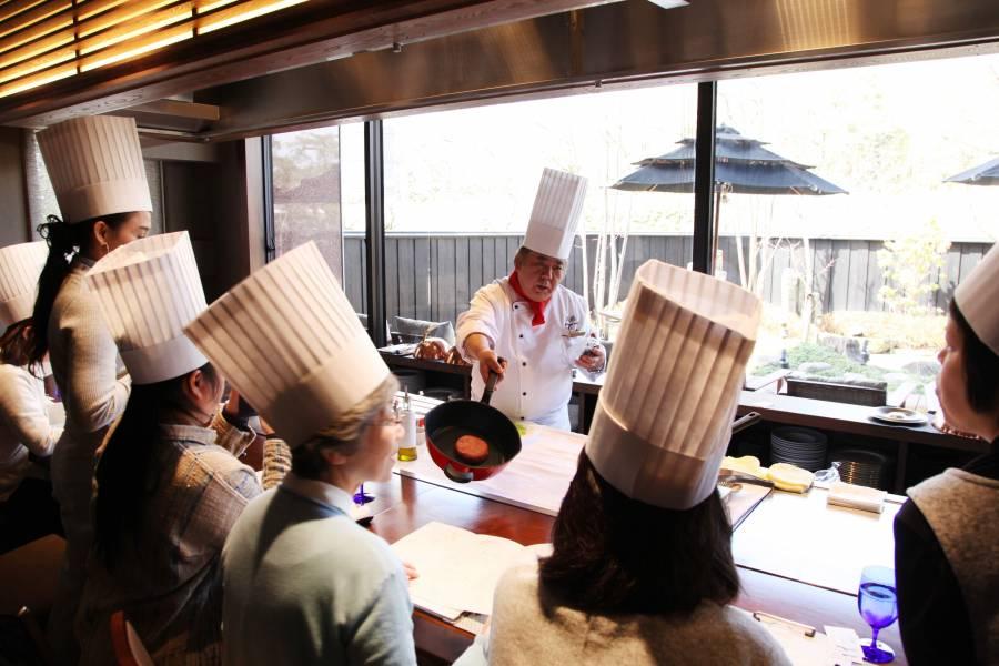 |彦根お天気ブログ| まさかの雪!?のホワイトデーに、シェフによるお料理教室開催♩