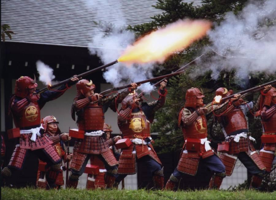 | 彦根お天気ブログ | 彦根鉄砲隊が彦根城博物館にやってきます!